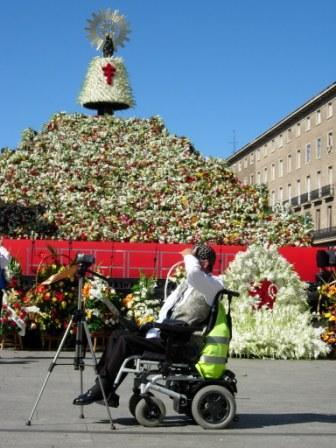 FOTO 11. Ofrenda de flores
